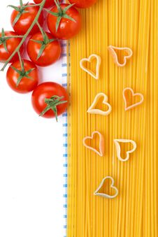 Free Spaghetti And Pasta In The Form Of Heart, Top View Stock Photos - 36082833