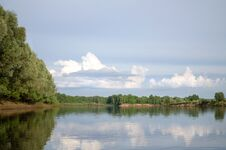 Free Klyazma River &x28;Russia&x29; Royalty Free Stock Photo - 36084975