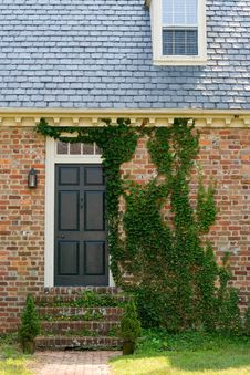 Free Brick And Moss Colonial House Stock Images - 3611394