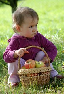 Free Small Girl And Basket Royalty Free Stock Photos - 3619408