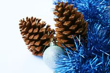 Free Christmas Decoration - Pinecones And Silver Ball I Royalty Free Stock Photography - 3619697