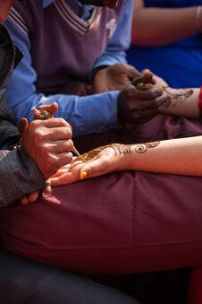 Free Henna Mehndi Ceremony Royalty Free Stock Photo - 36107225
