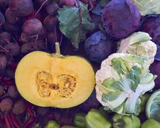 Free Pumpkin Cut And Broccoli Royalty Free Stock Photo - 36108745