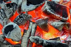 Free Glowing Charcoal And Flame In BBQ Royalty Free Stock Photography - 36113397
