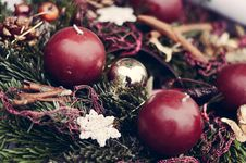 Free Closeup On Christmas Candles On Pine Garland Decoration Stock Image - 36113781