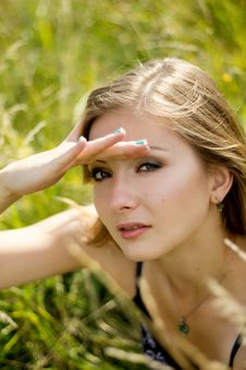 Free Pretty Woman S Face In Sunshine Summer Field Stock Photo - 36114570