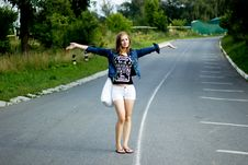 Free Young Happy Woman With A Bag On A Road Stock Photos - 36114663
