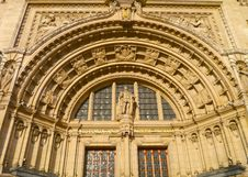 Free Natural History Museum Facade - London Stock Photo - 36122180