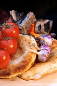 Free Composition With Bread, Tomatoes And Garlic Stock Image - 36129691