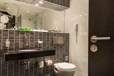 Free Bathroom Hotel Royalty Free Stock Photography - 36138327
