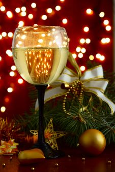 Free Champagne At New Year S Entourage Royalty Free Stock Photos - 36160548