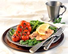 Free Salmon With Green Beans And Tomatoes Royalty Free Stock Image - 36165486