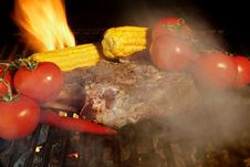 Free Rib Steak And Vegetables On BBQ Grill Stock Images - 36169934