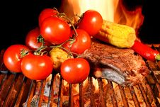 Free Grilled Rib Steak And Vegetables Royalty Free Stock Image - 36170296