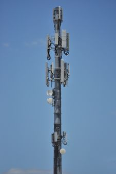 Free Telecommunications And Microwave Tower Royalty Free Stock Photo - 36170645