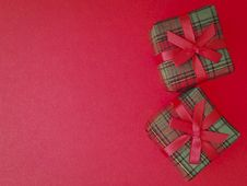 Pair Gift On Red Royalty Free Stock Images
