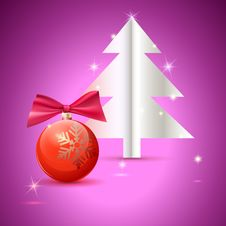 Free Christmas Tree And Ball On Green Background Royalty Free Stock Photos - 36190878