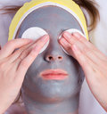 Free Recovery And Facial Of The Woman Royalty Free Stock Photos - 3626158