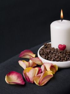 Free Candle, Coffee Beans And Petals Of Rose Royalty Free Stock Photography - 3621537