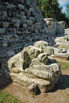 Free Jaguar Statue At Foot Of Mayan Temple Royalty Free Stock Image - 3624396