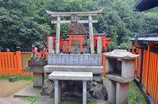 Free Torri Gates In Kyoto Royalty Free Stock Photo - 36217375