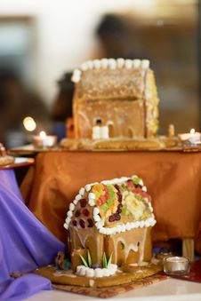 Free Gingerbread House Royalty Free Stock Image - 36223756