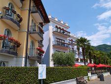 Free Classical Hotel Lake Garda Italy Royalty Free Stock Photos - 36276398