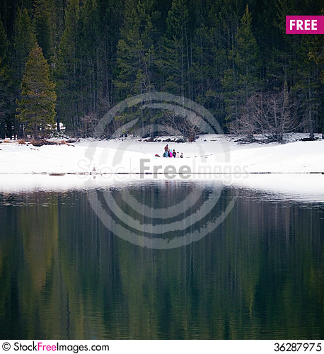 Free Winter Picknick At The Lakeshore Royalty Free Stock Photo - 36287975