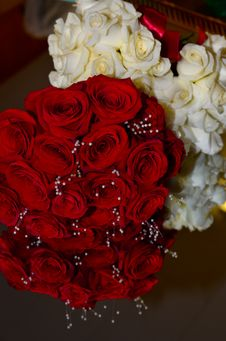 Free Bouquets On Mirror Stock Photo - 36282400