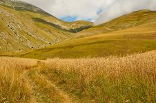 Free Mountain Panorama Spring In The Mountains Of Italy Royalty Free Stock Images - 36291059