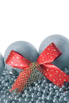 Free Silver Christmas Balls And Red Ribbon Royalty Free Stock Images - 3639509