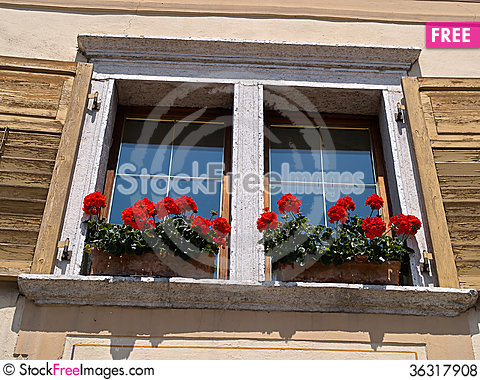Free Typical Italian Creative Window Royalty Free Stock Photos - 36317908