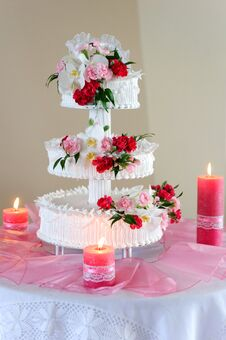 Free Luxurious Wedding Cake Royalty Free Stock Image - 36313096