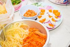 Free Papaya Salad Royalty Free Stock Photo - 36327765