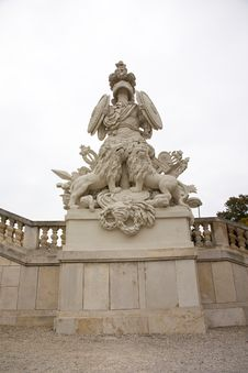 Free Sculpture In Schonbrunn Royalty Free Stock Images - 36329199
