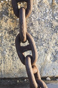 Free Rusted Metal Chain Royalty Free Stock Photography - 36371367