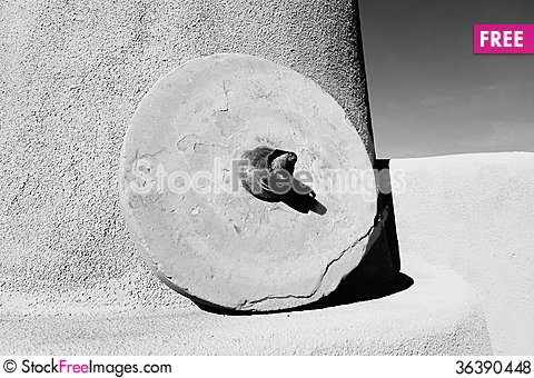 Free Grinding Stone Royalty Free Stock Photos - 36390448
