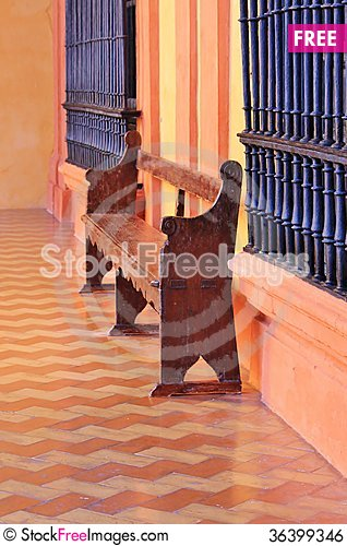 Free Spanish Old Wood Bench Royalty Free Stock Image - 36399346