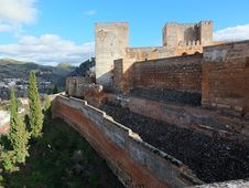 Free Alhambra Medieval Castle Defence Walls Royalty Free Stock Photo - 36395605