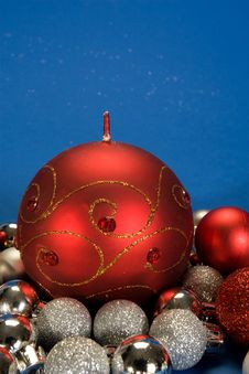 Free Christmas Globes Royalty Free Stock Images - 3642939