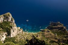 Free Yacht Moored Off The Coast Of Capri Royalty Free Stock Photos - 3643928