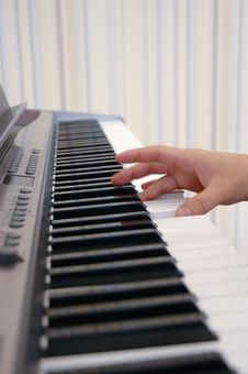 Free Hand Playing Piano Royalty Free Stock Image - 3649436