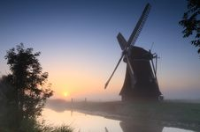 Free Windmill Sunrise Royalty Free Stock Images - 36402919