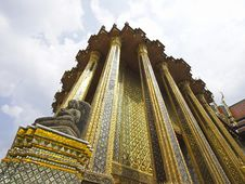 Free Thai Golden Chapel Royalty Free Stock Image - 36412196