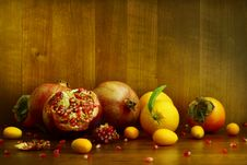 Free Persimmon, Pomegranate And Citrus Fruits Royalty Free Stock Images - 36437599