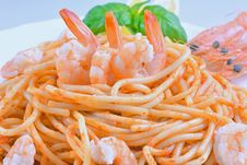 Spaghetti With Shrimp In Tomato Sauce Stock Photography