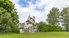 Free Castle In Bobolice Royalty Free Stock Images - 36450209