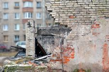 Free Fragment Of The Destroyed Wall Stock Image - 36450721