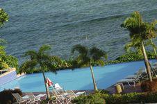 Free Oceanside Pool Royalty Free Stock Photos - 3652088