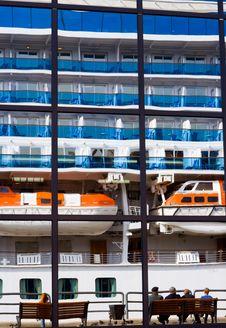 Free Luxury Cruise Ship Stock Photo - 3653940